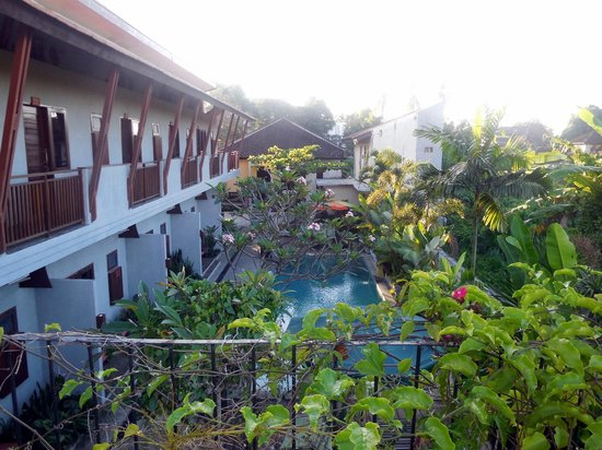 Anini Raka Resort & Spa: Row of Rooms