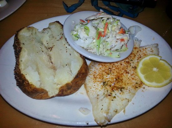Riverbay Roadhouse: Baked roughy was awesome