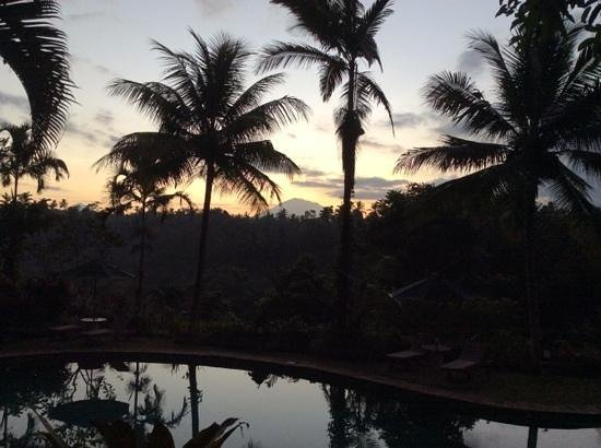 Alam Sari: zonsopkomst met zicht op gunung agung