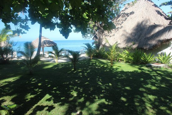 Castaway Island Fiji : our accomodation on the beach