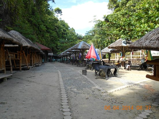 Enchanted River: huts for rent