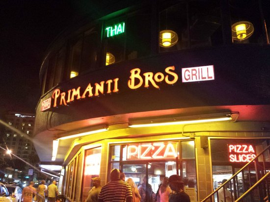 Primanti Brothers Restaurant : Primanti Brothers Grill by night