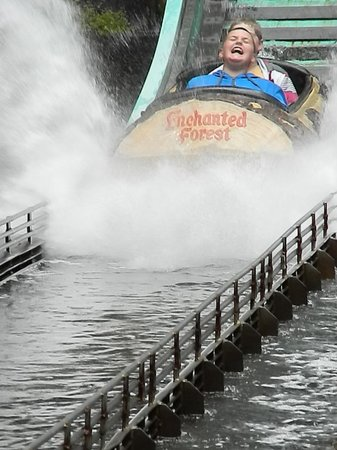 Enchanted Forest Theme Park : The log ride never gets old!