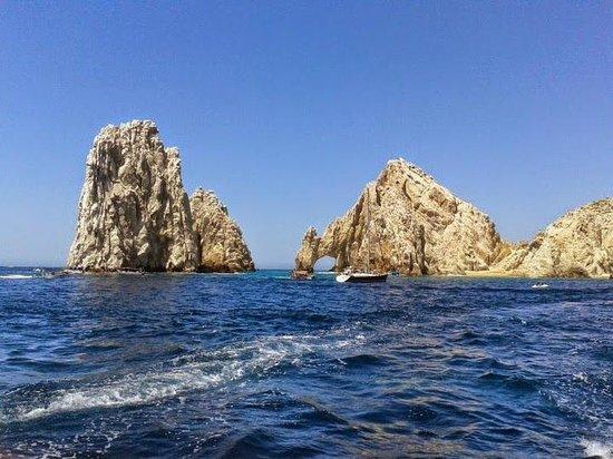 Grand Fiesta Americana Los Cabos All Inclusive Golf & Spa: Cuando paseamos en el mar con la vista de