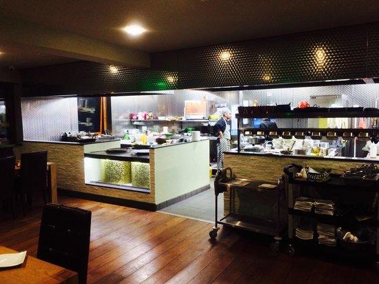 Cardamon Green: Open kitchen