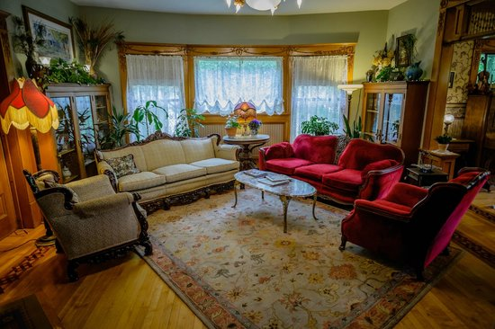 Scofield House Bed and Breakfast : Living Room