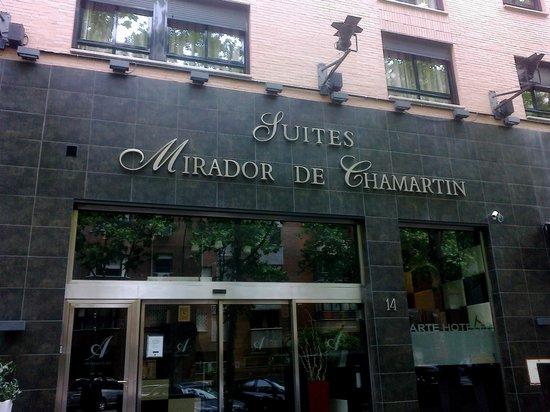 Hotel Mirador de Chamartin : The hotel entrance