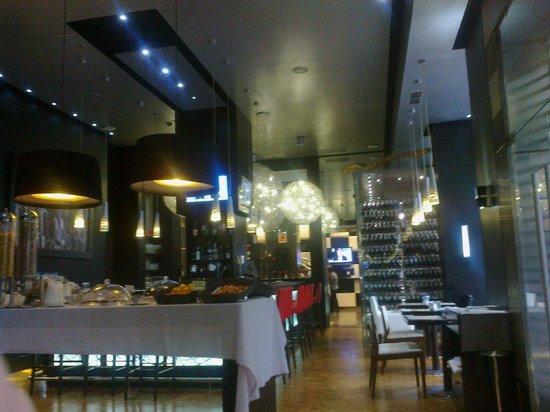Hotel Mirador de Chamartin : The breakfast room