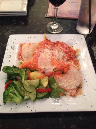 Luna Rossa : Chickin Arianna! Chicken breast topped with prosciutto, smoked mozzarella and fresh tomato slice