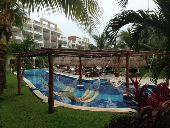 Excellence Playa Mujeres: lazy river pool