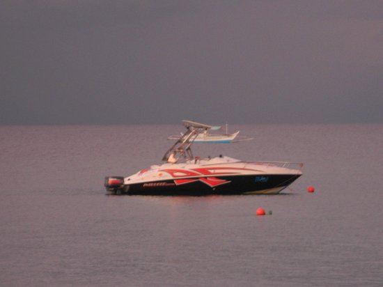 Acuaverde Beach Resort: speed boat for rent