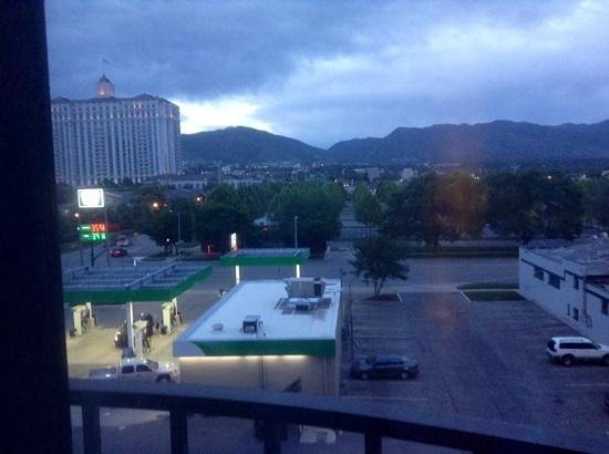 Hotel RL By Red Lion Salt Lake City : view from room