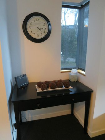 Snowgoose Apartments : We made this area into a charging station