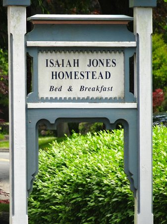 Isaiah Jones Homestead Bed & Breakfast: entrance