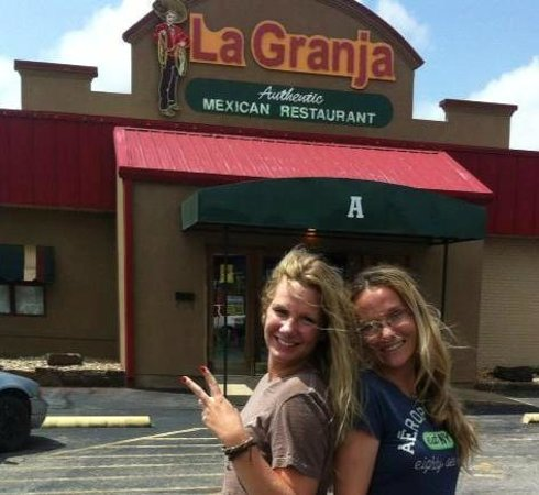 La Granja Mexican Restaurant : My daughter & sis-in-law in front of the restaurant