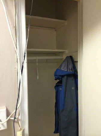 The Vanderbilt YMCA : Closet