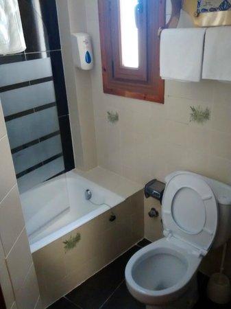 Hotel Mur : Baño