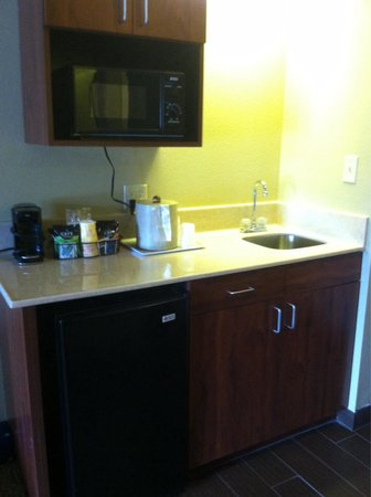 Comfort Inn & Suites at Dollywood Lane: New micro/fridge/sink area