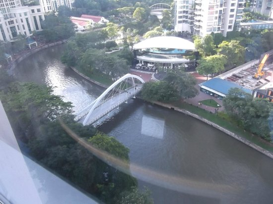 Four Points by Sheraton : View from Riverview room on 12th floor