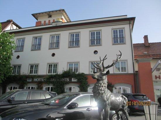 Hotel Hirsch: ホテル外観
