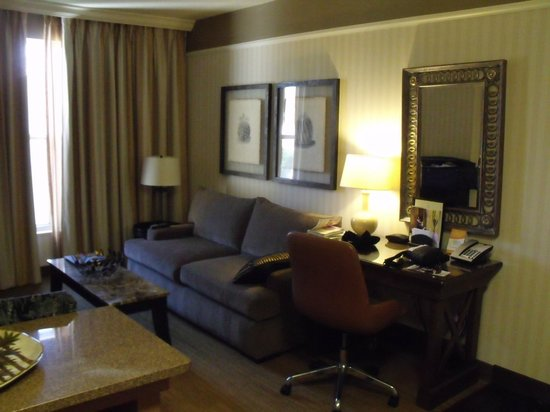 Gainey Suites Hotel: Living Room