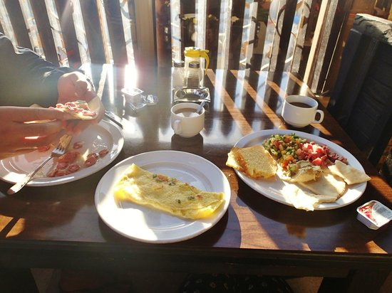 Arab Tower Hotel : Breakfast