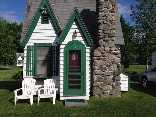 Hearthside Village Cottage Motel: Cottage