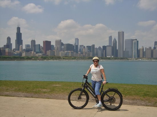 ‪WanderBikes | Chicago Electric Bike Tours & Rentals‬