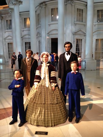 Abraham Lincoln Presidential Library and Museum : Abraham Lincoln Library
