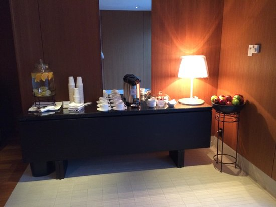 Willow Stream Spa at Fairmont Pacific Rim : snacks and drink