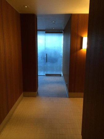 Willow Stream Spa at Fairmont Pacific Rim : hallway