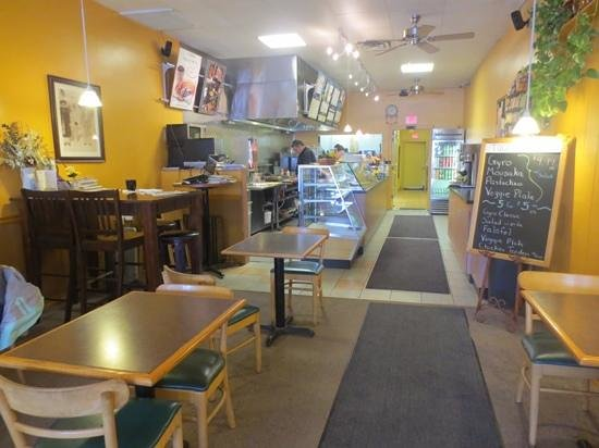 El Greco: Clean space and friendly staff