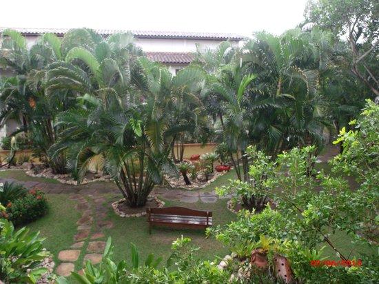Resort La Torre: Jardim