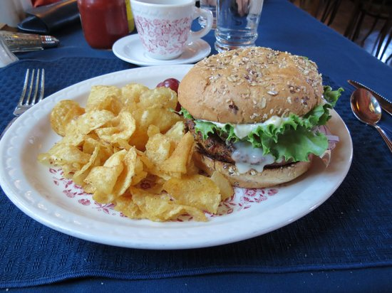 Naniboujou Historic Lodge Restaurant: One of hte best veggie burgers I have ever had