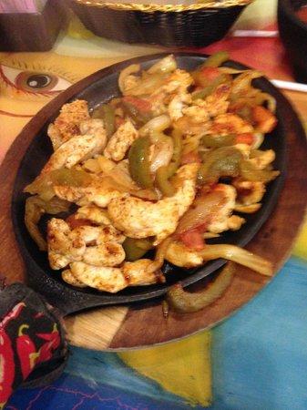 Carlito's Mexican Restauran: Chicken Fajitas