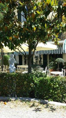 Hotel Villa Argentina: Giardino
