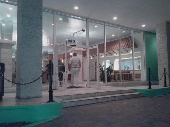 Seagull Hotel Miami South Beach: Entrada principal