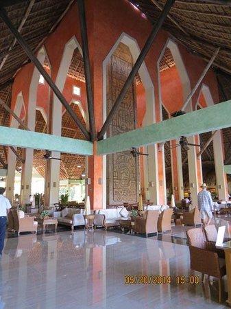 Grand Palladium Riviera Resort & Spa: Colonial Lobby