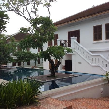 Victoria Xiengthong Palace: garden view