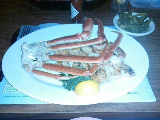 Dinardo's Famous Seafood: Broiled Platter $35