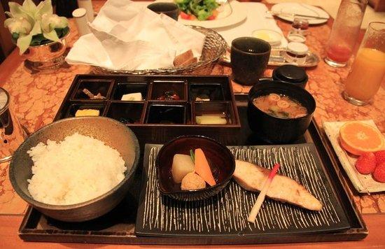 The Peninsula Tokyo : Breakfast