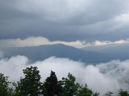 Mount Magazine State Park: Cloud and rain's coming
