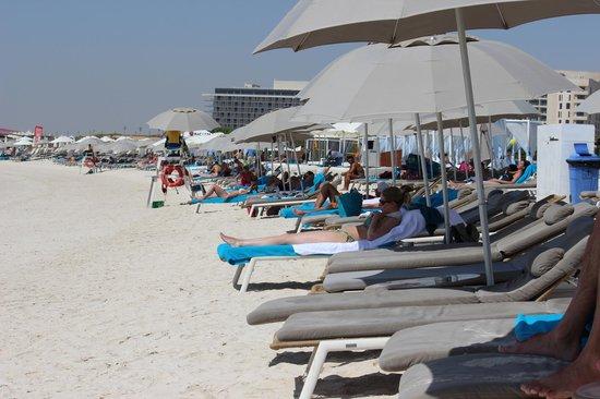 Staybridge Suites Abu Dhabi Yas Island : Yas Beach