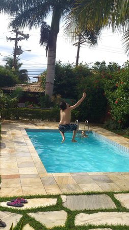 Vila Shalimar : Meus filhos na piscina