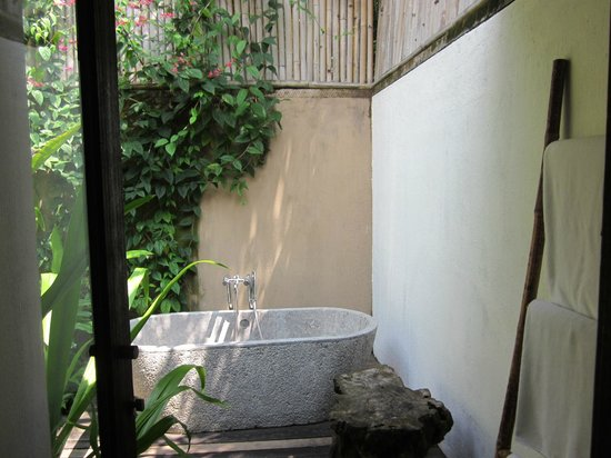 Jeeva Klui Resort: Outdoor bath