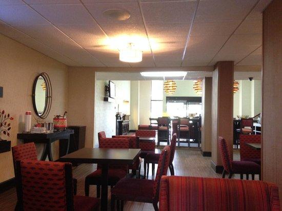 Hampton Inn Clarksville: cafe