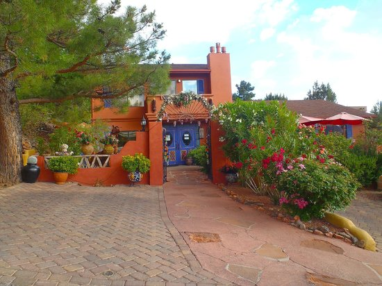 A Sunset Chateau : front entrance