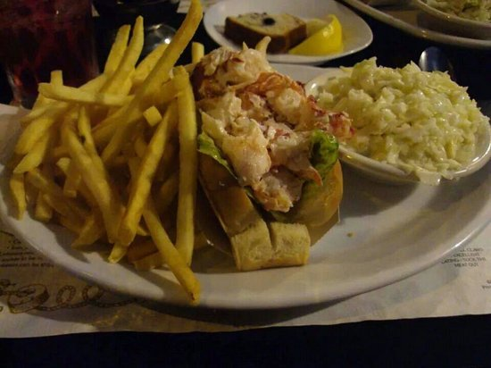 Mabel's Lobster Claw: Best Lobster Roll Ever
