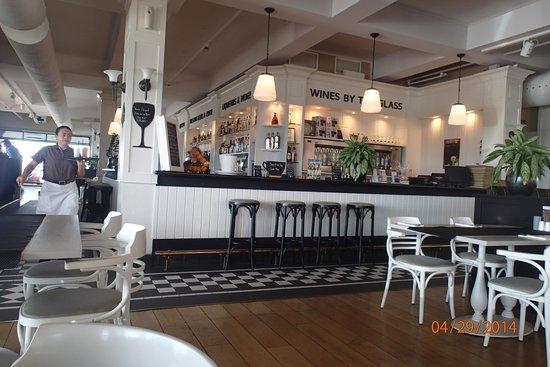 Taste of Belgium Restaurant: Inside Dining Room