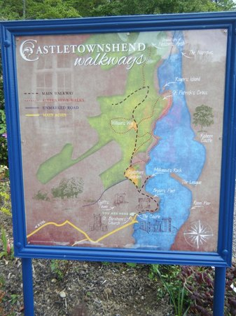 The Castle Townshend: walking trails nearby